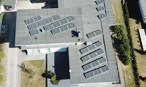 Ant plokščio namo stogo